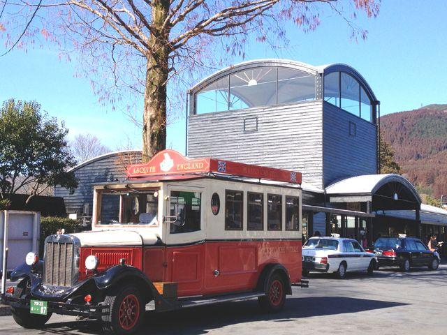 アクセス重視の方へオススメの湯布院。バス、電車あり福岡や大分へ気軽に移動可能です。