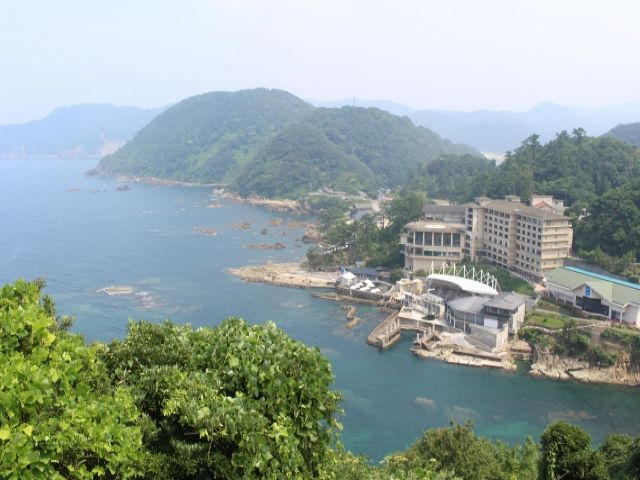 海のすぐそばにあるホテルです☆