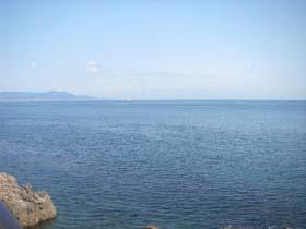 職場の目の前は大海原!お休みの日は釣りも楽しめます。