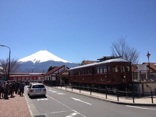 祝!世界遺産登録♪富士山が見える、河口湖に面したホテルでのお仕事です!