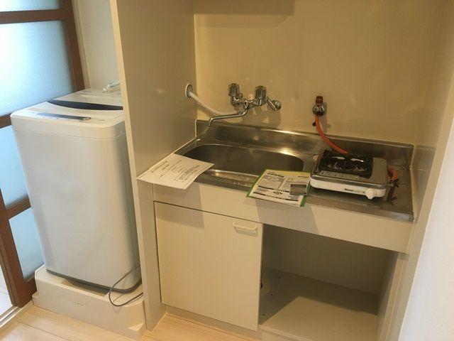 綺麗な寮です。テレビ、冷蔵庫、洗濯機まで完備されております。