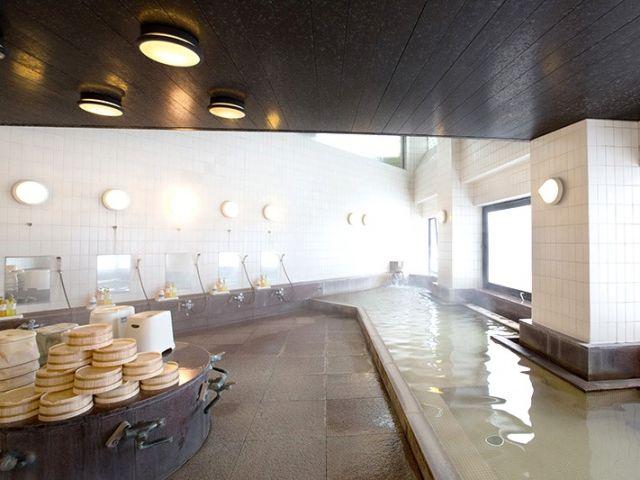 仕事やスキー・スノーボードの疲れは温泉で癒しましょ★無料で入浴出来ますよ★もちろん毎日
