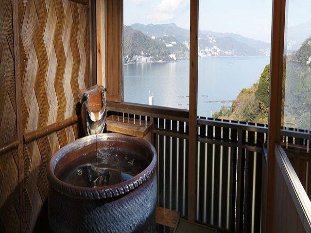 海が一望できる露天風呂が自慢の旅館さんです(^▽^)/