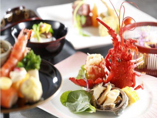 海の幸をふんだんに使ったお料理を提供していますヽ(*^^*)ノ