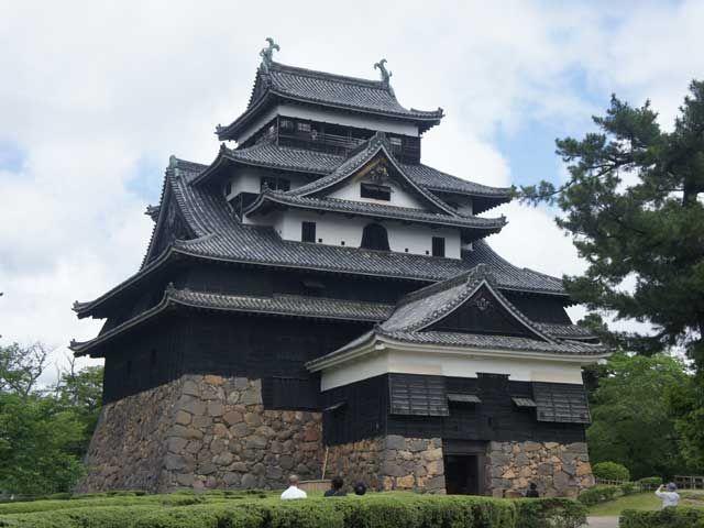 国宝松江城(^^)2015年に国宝登録されたお城です!!!漆黒の城壁は珍しいそうです!!