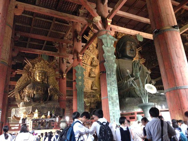 奈良と言えば「大仏」、盧舎那仏(るしゃなぶつ)と呼ばれ世界最大級の木造建築だそうです。