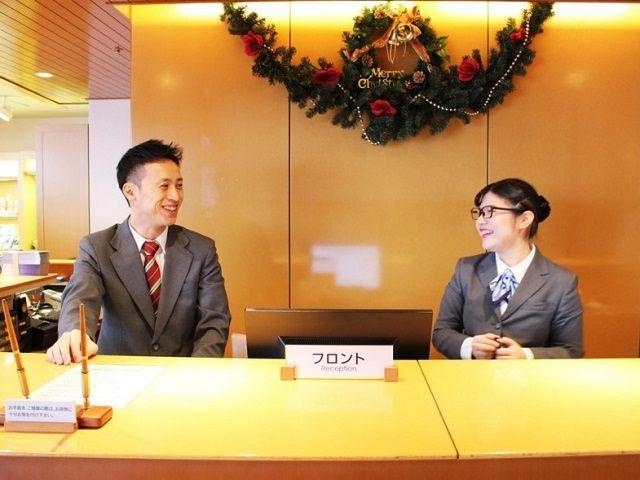 フロントはまさしくホテルの顔です♪素敵な笑顔でお客様をお出迎え下さいね♪