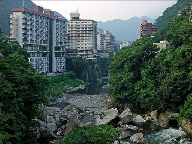 近くを流れる鬼怒川は四季折々の表情を楽しむのもありですね。