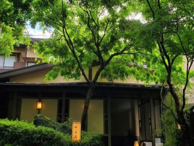 閑静な場所に佇む旅館