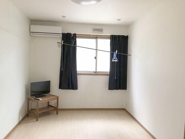 敷地内の通勤ラクラク。きれいな完全個室寮♪バス・トイレはうれしいセパレートタイプです!
