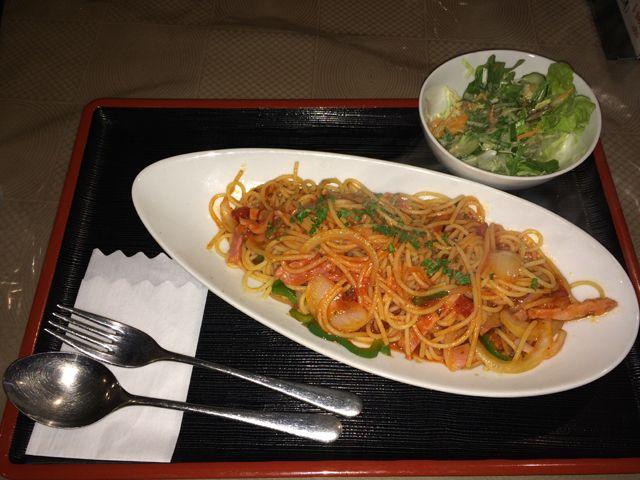 近くには、おいしい洋食屋さんがあります〜☆☆
