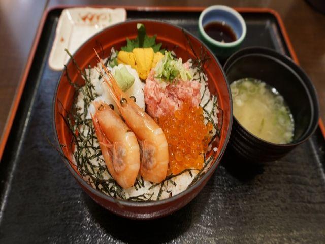 美味しい海鮮丼はいかがですか?