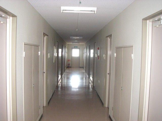 【女性寮内観】館内はとても清潔感があります。