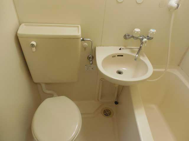 寮はトイレ・お風呂付♪