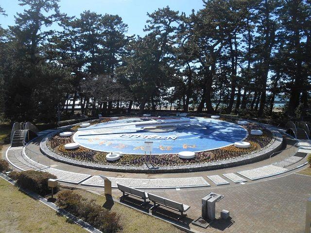 世界一の花時計は土肥の象徴として約一万本の花々で彩られてます!