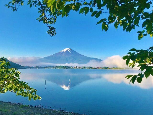 河口湖に臨む富士山は絶景!! 写真は実際に勤務したスタッフさんがとってくれました★