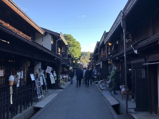 木曽福島駅まで徒歩で約10分!周辺には古い町並みもあります!是非散策してみて下さい☆