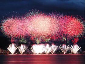 全国的にも有名な諏訪の花火は必見です!!!!