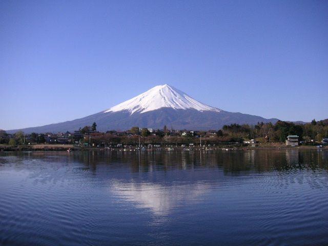 四季折々でいろんな表情が見れる富士山です。