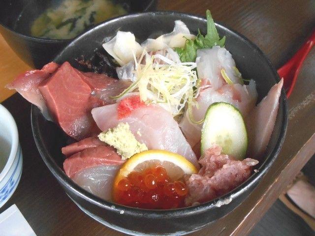 伊豆高原に行ったら食べましょう☆海鮮丼☆