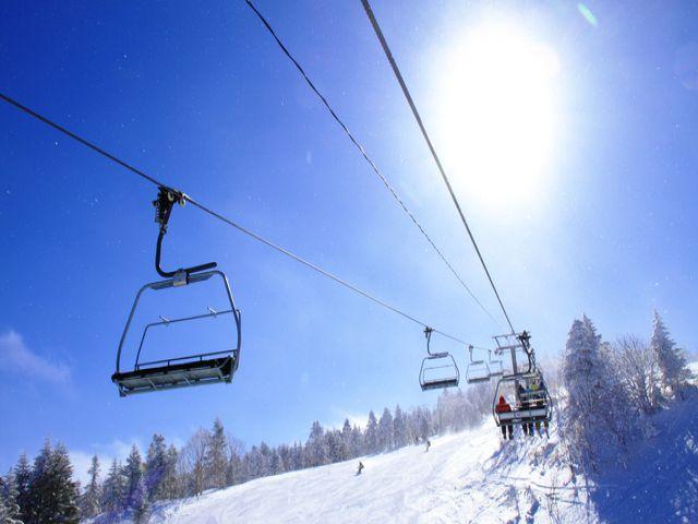 目の前には志賀高原のスキー場♪お休みの日は白銀のゲレンデを満喫しちゃおう☆