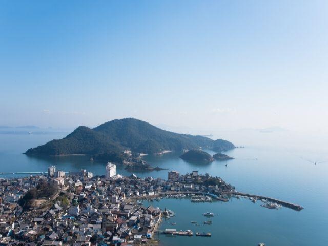 瀬戸内海の温暖な気候は安定しており、サイクリストも多いです。