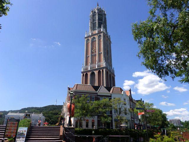 オランダの街並みを再現した大型テーマパーク内にあるホテルがあなたの職場です!