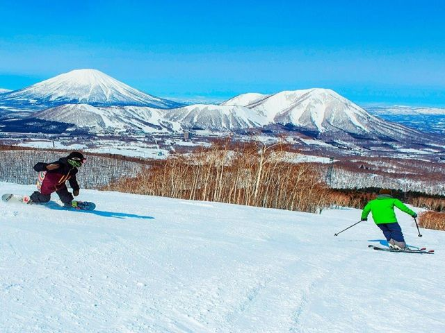 全道一の巨大スキーリゾート!!山頂からは、洞爺湖や有珠山、正面には羊蹄山が一望できます♪