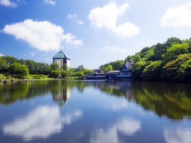 約22万坪の広大な敷地面積を誇るホテルです。敷地内の公園で休日を過ごす事もできますよ♪