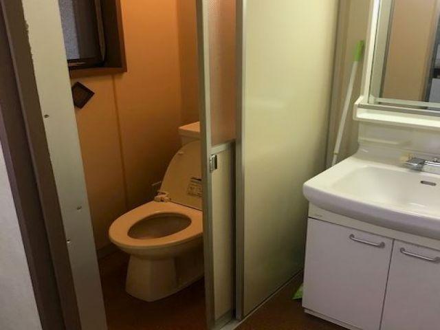 トイレ、洗面台は有ります!