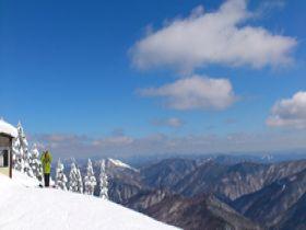 【2/末迄でもOK】スタッフ間の仲が良く、毎日楽しみながらスキーしよう♪