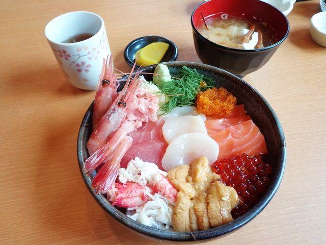 海産物も美味しいですよ!!北海道を満喫下さいね!!