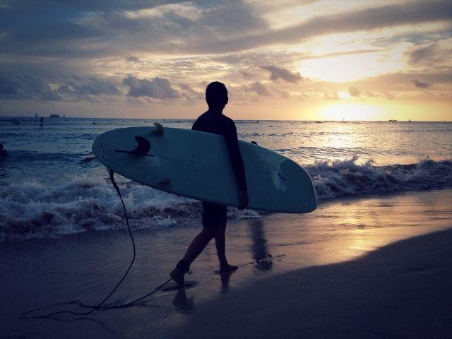 宮崎はサーフィンのメッカ☆休日に波乗りに行く!で決まり!!