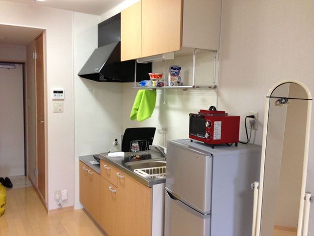 WIFI付の完全個室。とても住み心地の良い寮です。近くに大きなドラッグストアもあります♪