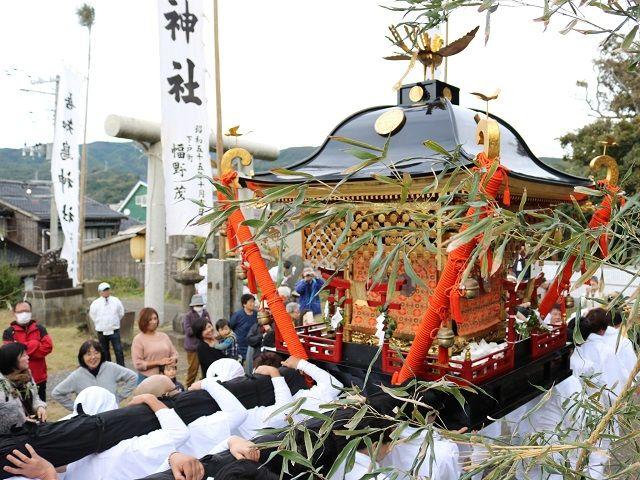 地元のお祭りには、積極的に参加しちゃおう!!伝統が受け継がれる町ならではの祭を楽しめます。