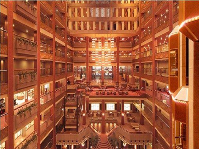 豪華絢爛な有名なホテル。毎日がワクワクする事、間違いなし。