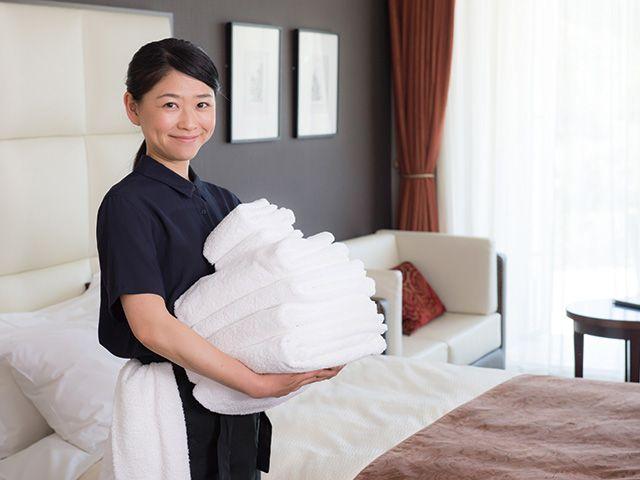 ベッドメイキングや清掃のお仕事です♪
