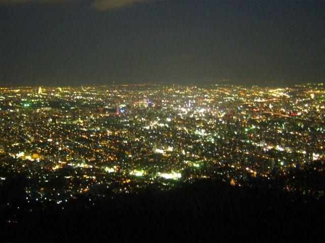 夜景もきれいな札幌です☆