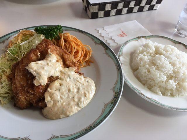 宮崎と言えば「チキン南蛮」を食べよう!