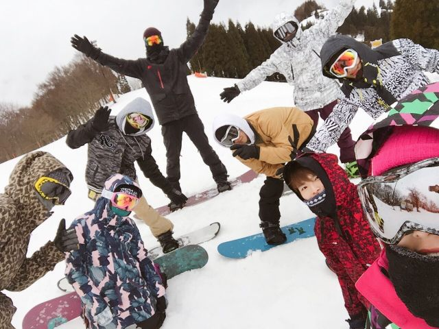 【環境】冬はスキー客で賑わうエリアです!お買い物は代表が買出しに行きます♪