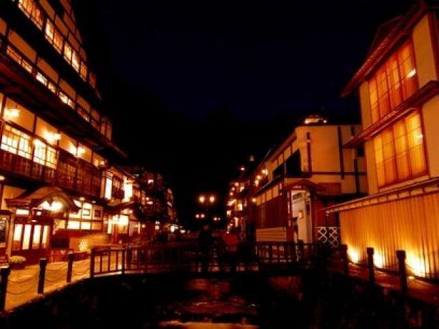 ≪山形県銀山温泉≫大正時代からの旅館が立ち並ぶ温泉街を満喫してください♪