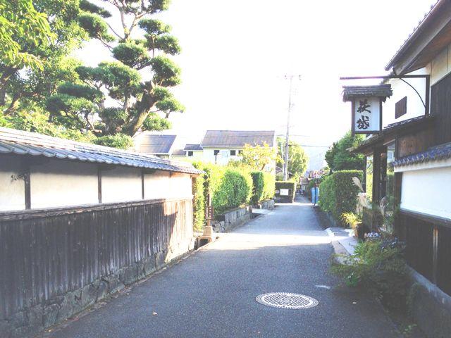 木造建築が並ぶ、萩城下町。ココは是非見てほしい。