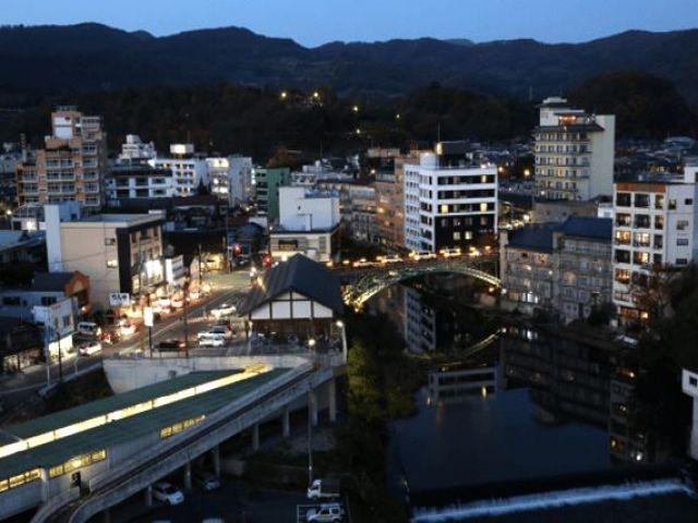 【福島県飯坂温泉】アクセス&寮条件もバッチリ☆歴史ある温泉に立地するホテルでのお仕事です!