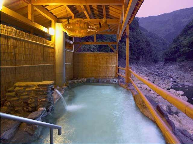 自慢の露天風呂です(^^*)