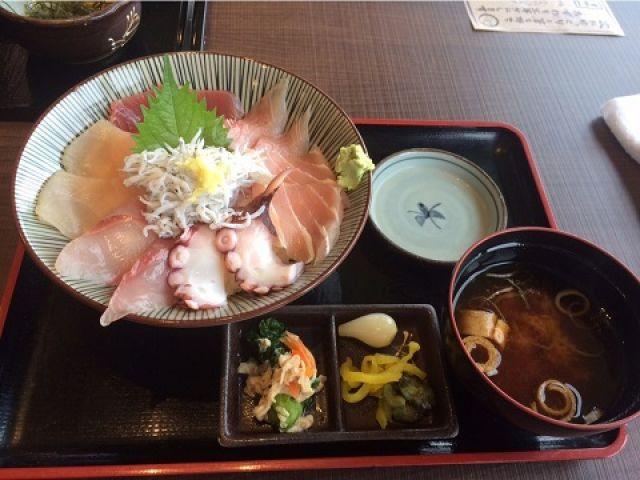 漁師町の飲食店で食べる海鮮料理って本当に最高です☆