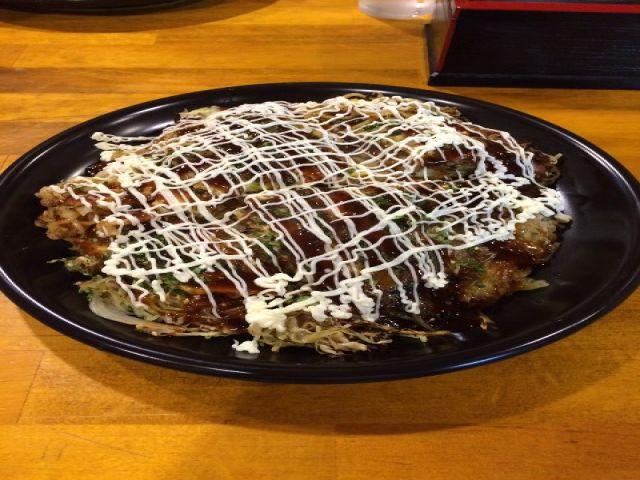 広島名物『お好み焼き』!近くに美味しいお店あるよ〜