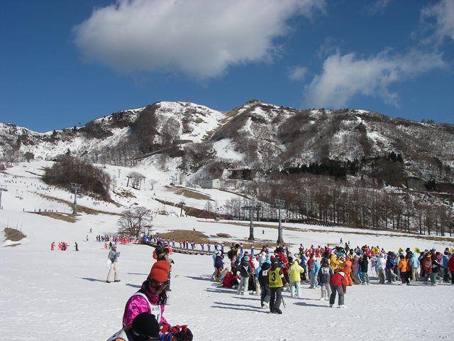 小学生へのスキーの滑り方をレクチャーしてもらいます(^^)/