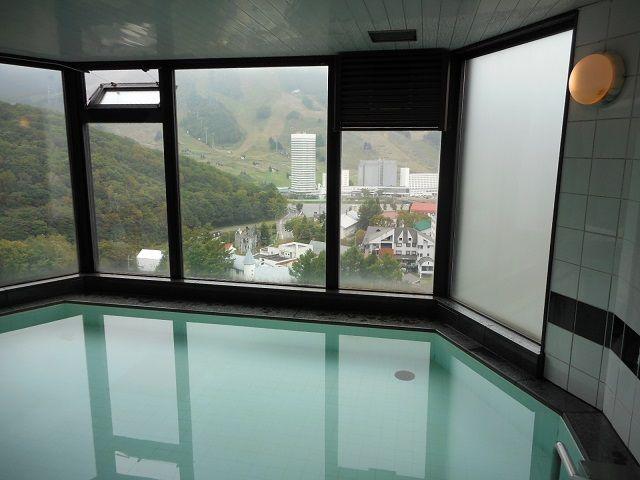 寮の最上階には大浴場が着いています。景色も着れいで疲れも癒されます。