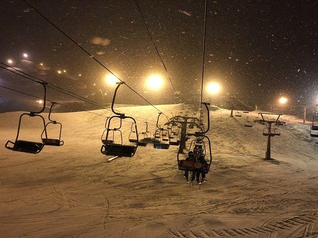ナイター完備の人気のスキー場なので滑りたい方でも大歓迎でぇ〜す☆