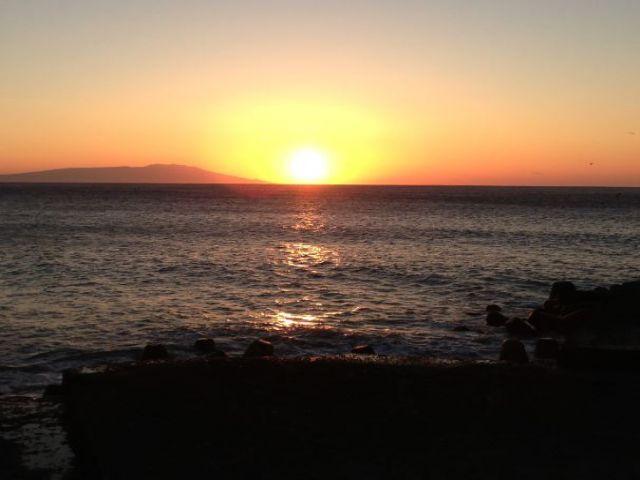 空いている時間やお休みの日は近くの海まで足を延ばしてみては?